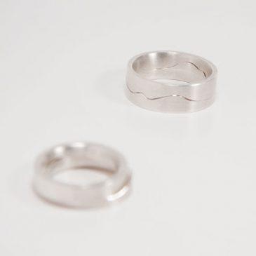 Pusselringar av silver. Puszzle rings in silver.
