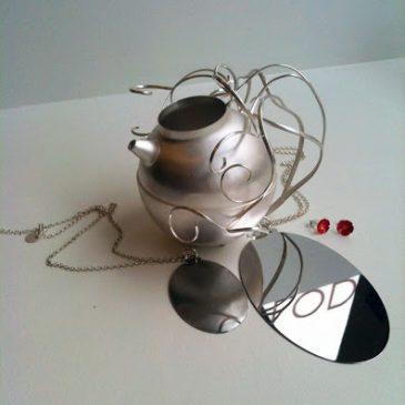 Smycken och silver på väg till Hongkong! Jewelry and silverware on the way to Hong Kong!