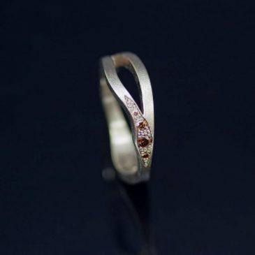 Vigselring med jugend känsla. Wedding ring with Art Nouveau feeling. 04e1802a69e1c
