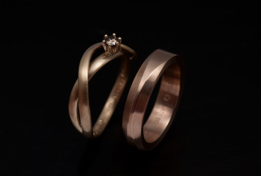 guldsmed; förlovningsring; silversmed; smycken; vigselring; rödguld; diamanter; etiskadiamanter